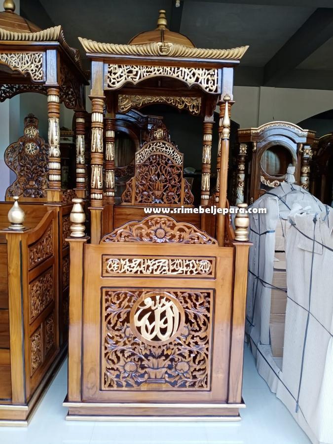 mimbar masjid ukiran jepara dengan lafadz allah