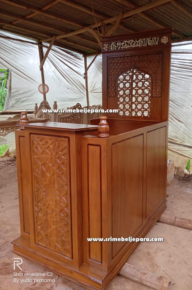 Mimbar Masjid Minimalis Jati Jepara Terbaru Model Karawacis