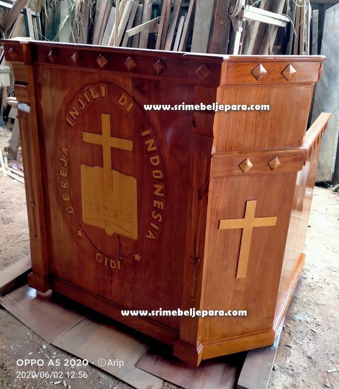 mimbar gereja kristen kayu jati jepara